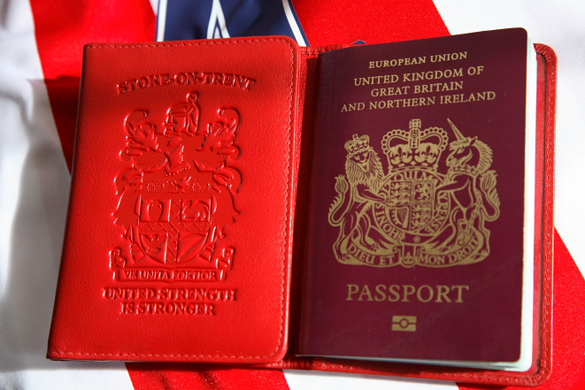 Stoke-on-Trent Passport Holder. Vis Unita Fortior - United Strength is Stronger.
